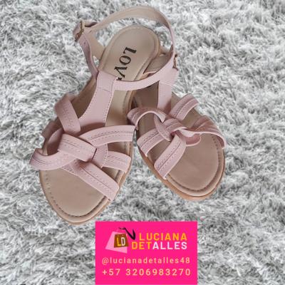 Par de sandalias color rosado